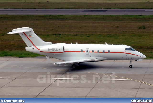 D-BCLA, Bombardier Challenger 300-BD-100, Private