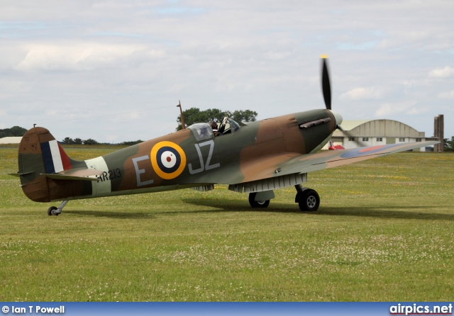 G-AIST, Supermarine Spitfire-Mk.1A, Private