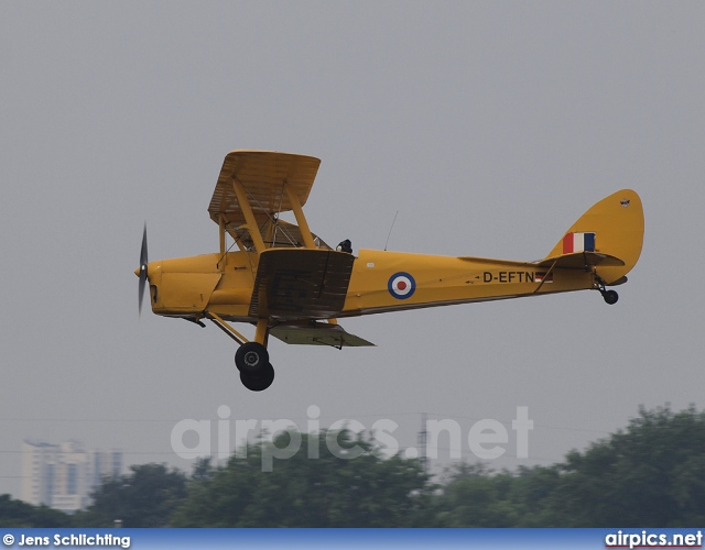 DEFTN, De Havilland DH-82-A Tiger Moth II, Private
