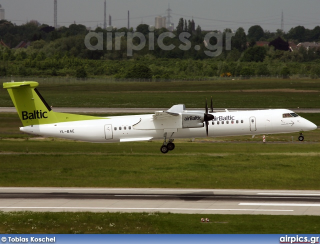 YL-BAE, De Havilland Canada DHC-8-400Q Dash 8, Air Baltic