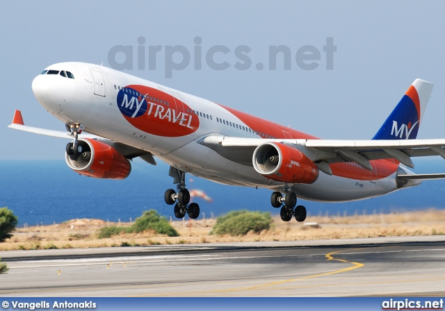 OY-VKH, Airbus A330-300, MyTravel Airways AS