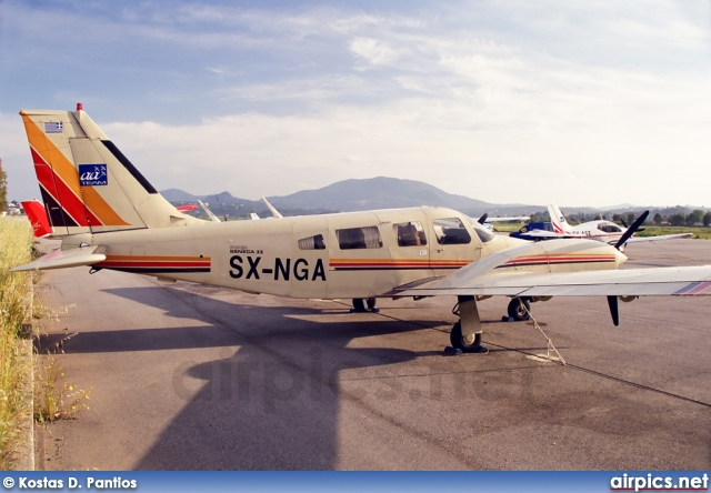 SX-NGA, Piper PA-34-200T Seneca II, Private