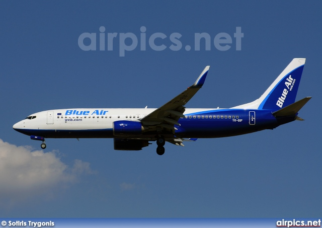 YR-BIF, Boeing 737-800, Blue Air