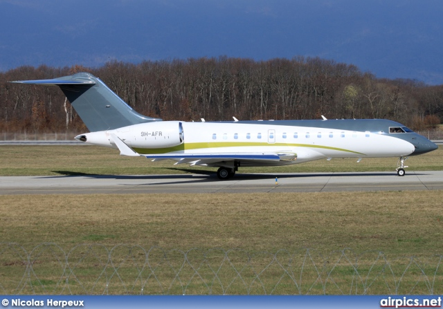 9H-AFR, Bombardier Global 5000, Comlux Aviation