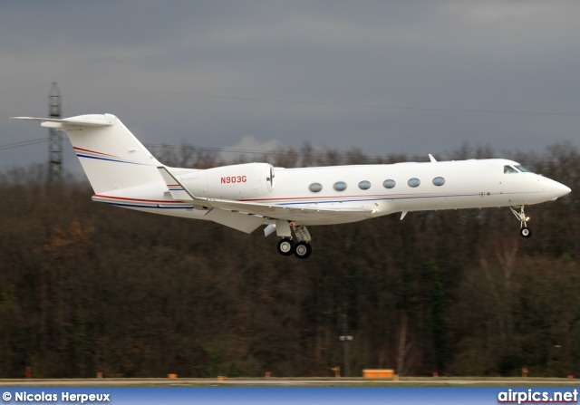 N903G, Gulfstream G300, Private