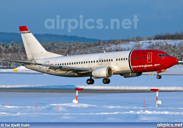 LN-KKS, Boeing 737-300, Norwegian Air Shuttle