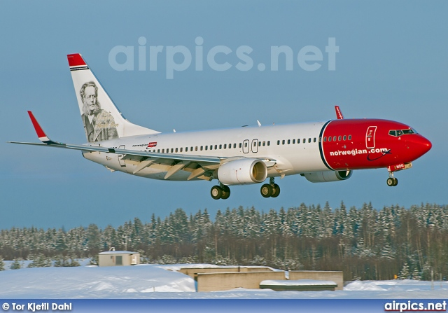 LN-NOG, Boeing 737-800, Norwegian Air Shuttle