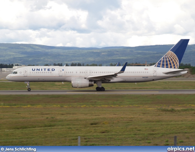 N41140, Boeing 757-200, United Airlines