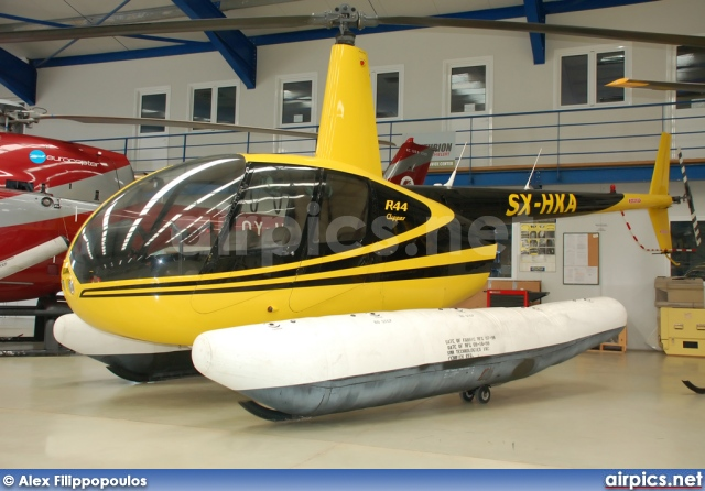 SX-HKA, Robinson R44, Private