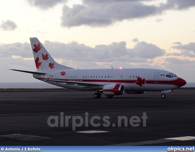 C-FPHS, Boeing 737-500, Untitled