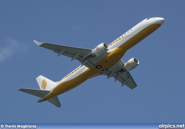 T7-SBH, Embraer ERJ 190-ECJ Lineage 1000, Private