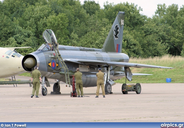 XS904, English Electric Lightning-F.6, Private