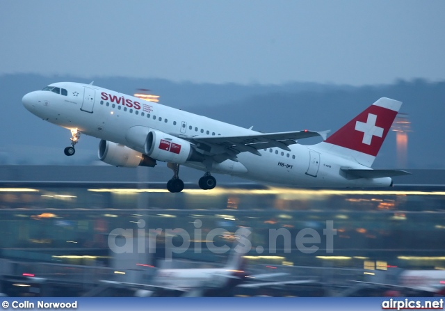 HB-IPT, Airbus A319-100, Swiss International Air Lines
