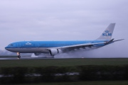 PH-AOE, Airbus A330-200, KLM Royal Dutch Airlines