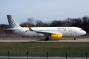 EC-LUO, Airbus A320-200, Vueling