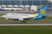 UR-GAW, Boeing 737-500, Ukraine International Airlines